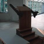 R.Rychter, PRO - ROKOWANIE obiekt, 2006 r. wymiary: 200x200x250 cm materiał: blejtramy, drewno, płyta OSB.
