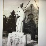 St. Gruszka, Pomnik Św. Bernarda, Opactwo Cystersòw, piaskowiec, 1990