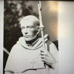 St. Gruszka, Pomnik Św. Bernarda zbliżenie